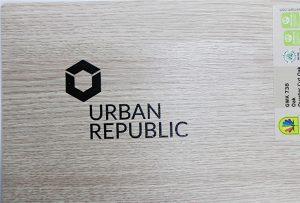 طباعة الشعار على المواد الخشبية بواسطة WER-D4880UV 2